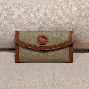 Dooney & Bourke Wallet Vintage Pebble Leather Tan